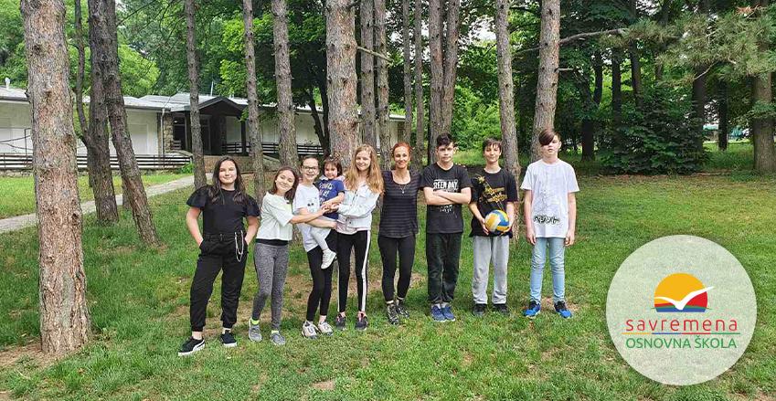 A get-together of fifth-graders and their parents at Košutnjak